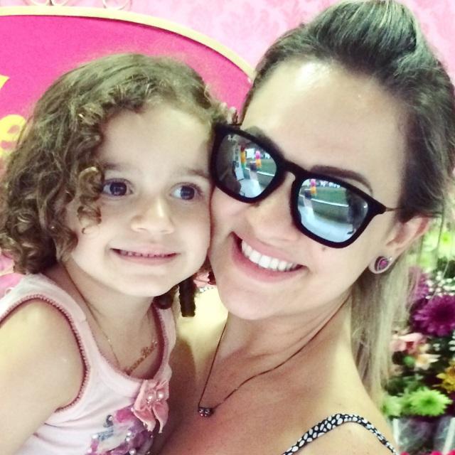 Rayban Erika e Chris Velvet   Alline Schineider Ribeiro de Andrade 5c17ec90e5